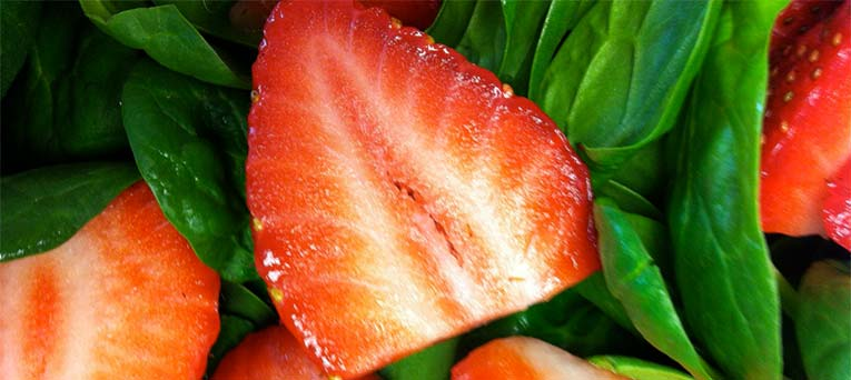 spinach and strawberry